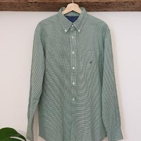Light green-white square pattern shirt. Best for summer looks. ⚡⚡⚡ excellent condition just like when ut was baught. Not missing any buttons and no damages at all.