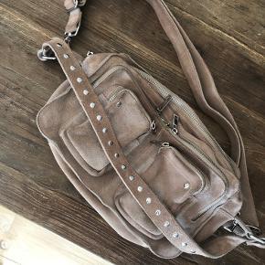 Nunoo taske, købt i foråret, i rigtig fin stand .