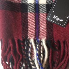 Uld tørklæde fra magasin ❤️ Aldrig brugt og i super lækker kvalitet. Prismærke sidder stadig på.