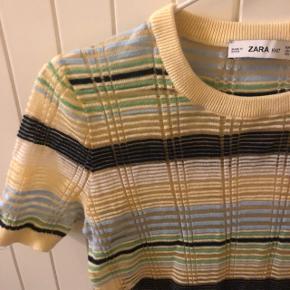 Fin tshirt med glimmer detaljer fra ZARA str m