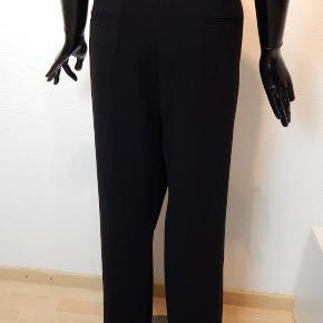 Cambio bukser 44, model Grace, sort stretch, lynlås i siden, ingen lommer, pæn stand