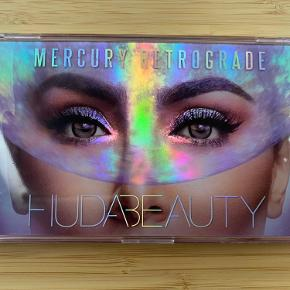 Huda Beautys Mercury Retrograde. Forholdsvis ny palette. Sælges pga. jeg ikke bruger den ret ofte og tænker at den kan bringe mere glæde et andet sted. 😊
