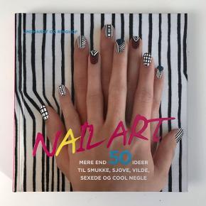 Nail Art af Donne & Ginny Geer.Bogen er fyldt med step by step guides til forskellige måder at male neglene💅🏼 Bogen er i super fin stand og er stort set aldrig blevet brugt☺️