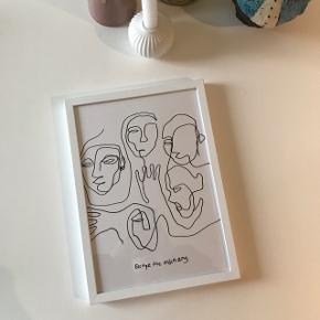 Fin line art plakat fra Desenio i målet 21x30. Hvid træramme medfølger. Sender gerne 😊