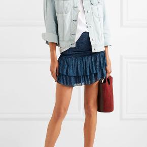 Aldrig brugt 'Julia' chiffon-nederdel fra Isabel Marant Etoile. Det er en str. 36, som svarer til en small. Super skøn. Nypris ligger på 1.800 kr., men jeg sælger nederdelen for 850 kr.