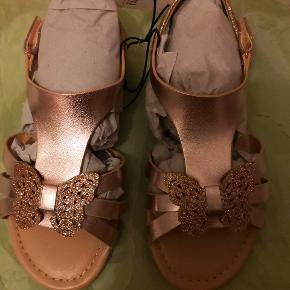 Ny hm sandaler str 30