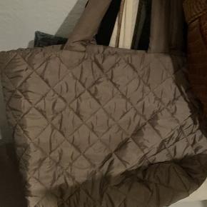 H&M anden taske