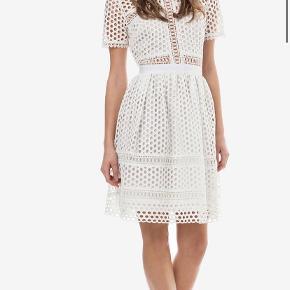 By Malina kjole