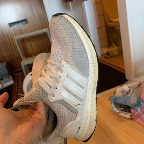 Adidas boost. Rigtig fin stand.