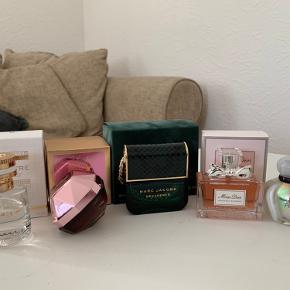 Flere parfumer sælges!   Obs prisen vil være varierende. Og priser kommer på alle dufte senest imorgen     Beskrivelse kommer 😊