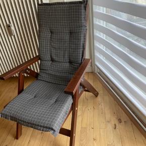 2 havestole fra Ikea, som set på billedet. Hynderne medfølger gratis, da de mangler snor.  Pris for begge 400kr  Ny pris 800kr for begge stole.
