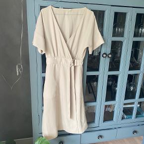 MessyWeekend kjole