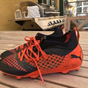 Puma fodbold støvler i str 36 Virkelig fine. Byd