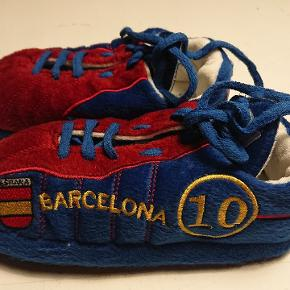 Super søde Barcelona sutsko. Aldrig brugt. Str 29/30.