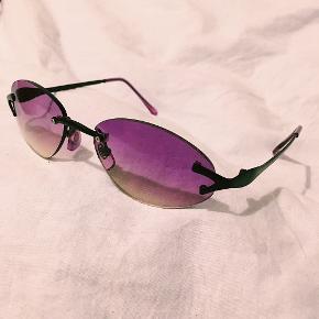 💜fede lilla solbriller, med 'fade' til gult ned mod bunden. helt nye💜