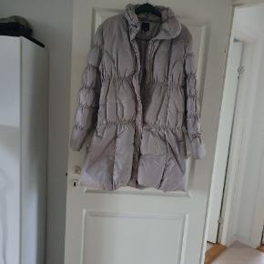 Super fin frakke str ca 44  Xxl Kun brugt få gange  Men pæn og velholdt