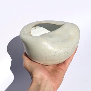 Smuk skulpturel håndlavet unika keramik vase