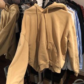 Vildt dejlig hoodie fra weekday