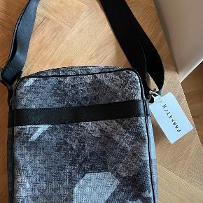 Armani anden taske