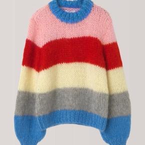 Lækreste ganni sweater sælges. Nypris er ca 2800kr 😊 Tænker 2000kr, men byd gerne !