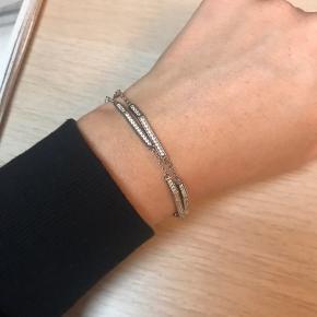 Smukt armbånd fra Sif Jakobs sælges. Æsken har jeg desværre ikke længere :-)