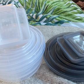 13 plastik bøtter