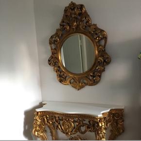 Spejlet er 121 x 100  Bordet er 131,5 x 89,5 x 48   Giv gerne et bud