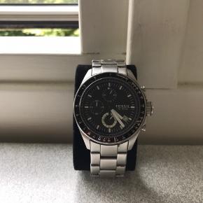 Jeg har dette lækre dansk produceret ur fra fossil.  Ny pris er 1000kr Min pris: 500kr