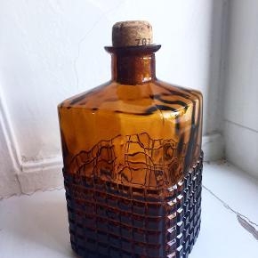 Smuk retro whiskey karaffel  🥃 // 200,- Afhentes i Valby eller afsendes for 49,-.