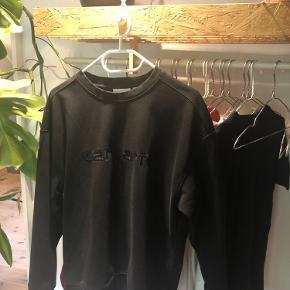Carhartt sweater