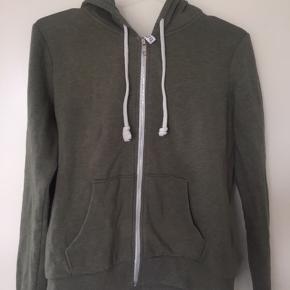 Olivengrøn hoodie / hættetrøje med lynlås