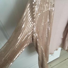 Paliet blazer/jakke fra Vila. Str. L/XL.  Brugt 2-3 gange. Palietter intakt.