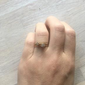 2 prinsesseringe, 14 karat. 0.1 ct og 0.05 ct. Den ene ring er lidt skæv. Str 52