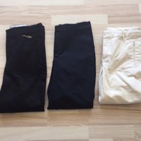 Tøjpakke 3 par bukser .  1 par sorte , blå og sand