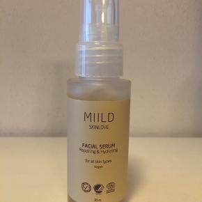 MIILD Facial Serum Repairing & Hydrating 30 ml.  Ny, æsken kun åbnet for billede.  Nypris 490 kr. Sælges for 310 kr.