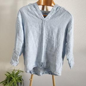 LINEN BY KREBS er en lille familievirksomhed fra Samsø, som designer tøj i 100 % hør i bedste kvalitet. Konceptet er slowfashion, som indebærer bæredygtighed og langtidsholdbar kvalitet