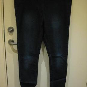 Varetype: leggings (m4655) Farve: se billede  Livvidde 2x48 cm Indvendig benlængde 78 cm - coton/polyester/elastane