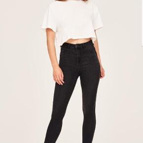 De klassiske Molly jeans fra Gina Tricot, god men brugt.