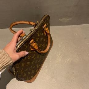Louis Vuitton Alma    autifikations papire medfølger   Har blæk inden i fra kuglepen