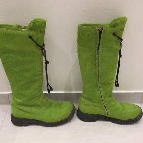 Super fede limegrønne Bumper støvler i super find stand. Sælges hurtigt 💚