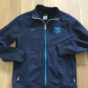 Nike Barca lynlås trøje. Str. 158-170. Ca 13-15 år. Som ny.