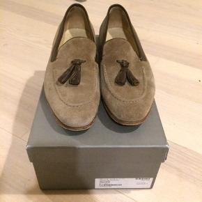 Loafers fra Alexander McQueen. Brugt 3 gange meget forsigtigt. Jeg skokasse og dustbags - dog ikke kvittering. Nypris 3600kr