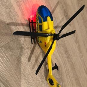 Super fed helikopter med lys og lyd.