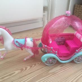 Barbie hest med vogn/karret