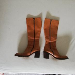 Vero Cuoio heels