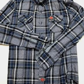 Varetype: skjorte Farve: Sort Blå Oprindelig købspris: 600 kr.  null