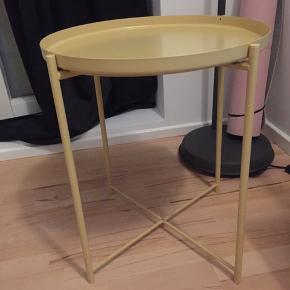 God stand, lille bord  Kan afhentes fyrbødervej 10