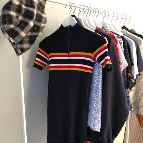 Urban Outfitters kjole i mørkeblå/navy Bytter gerne  Byd