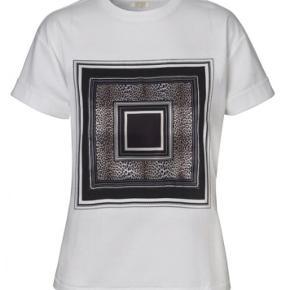 Notes Du Nord t-shirt