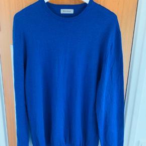 Martinique uld pullover i den lækre blå farve,  Super lækker og blød,  Sælges da den kun er brugt 1-2 gange   Nypris 899kr nu 100kr